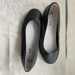 Hush Puppies Black Ballet Flats Size 10